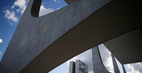 Placeholder - loading - Imagem da notícia Fator Lula faz centrão aumentar 'custo' de apoio a Bolsonaro