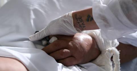 Placeholder - loading - Imagem da notícia Brasil sofre com esgotamento e escassez de médicos de UTI para enfrentar alta recorde da Covid