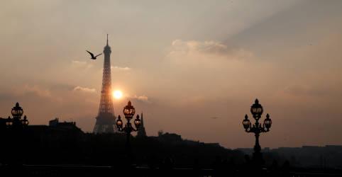 Placeholder - loading - Imagem da notícia Paris entra em lockdown para conter aumento de casos de Covid