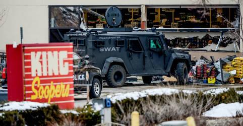 Placeholder - loading - Imagem da notícia Massacre a tiros deixa dez mortos no Colorado, e suspeito ferido é detido