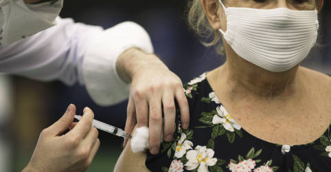 Placeholder - loading - Imagem da notícia Justiça Federal derruba obrigatoriedade de doação ao SUS de vacinas compradas por entidades privadas