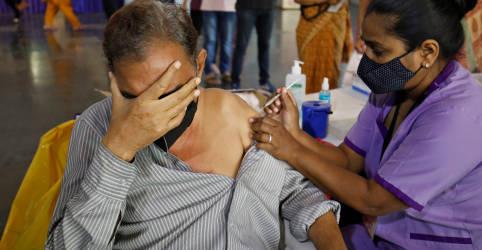 Placeholder - loading - Índia planeja ampliar vacinação ao ver disparada de infecções