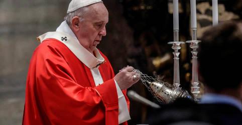Placeholder - loading - Imagem da notícia Papa adapta Shakespeare em apelo contra mudança climática