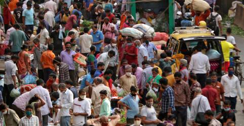 Placeholder - loading - Índia supera 100 mil casos diários de Covid e culpa variantes por disparada