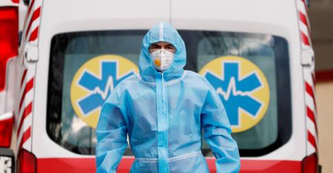 Placeholder - loading - Imagem da notícia Total de mortos pela Covid-19 no mundo supera 3 milhões em meio a disparada de novas infecções