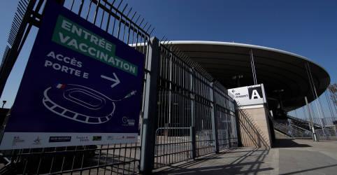Placeholder - loading - França começa a aplicar vacinas contra Covid-19 no estádio nacional