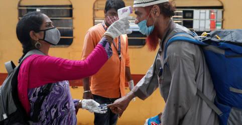 Placeholder - loading - Imagem da notícia Índia registra recorde de casos de Covid-19 e aumento de 13 vezes em dois meses