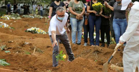 Placeholder - loading - Imagem da notícia Brasil registra 3.829 novas mortes por Covid-19 e total supera 340 mil
