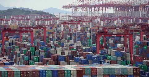 Placeholder - loading - China registra exportações robustas e aumento das importações em março