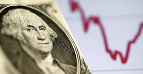 Placeholder - loading - Imagem da notícia Dólar cai abaixo de R$5,70 em dia positivo no exterior