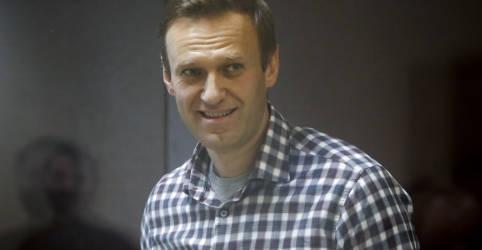 Placeholder - loading - Imagem da notícia Em greve de fome, opositor russo Navalny será transferido a hospital