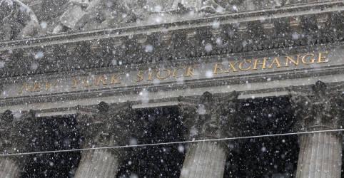 Placeholder - loading - Imagem da notícia Índices de Wall Street reagem após dois dias de perdas