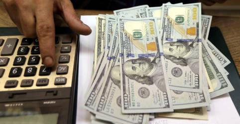 Placeholder - loading - Imagem da notícia Dólar fecha em queda de 1,67%, a R$5,4558