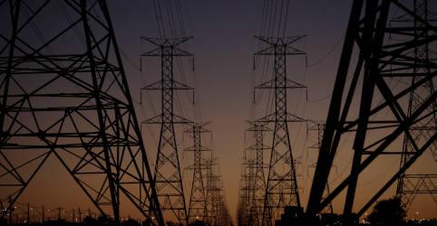 Placeholder - loading - Governo prepara proposta inicial para abertura do mercado de energia