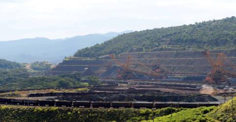 Placeholder - loading - Vale mantém meta de produção de minério de ferro para 2021 em 315-335 mi t