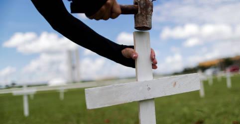 Placeholder - loading - Imagem da notícia Brasil registra 3.086 novas mortes por Covid e total supera 395 mil