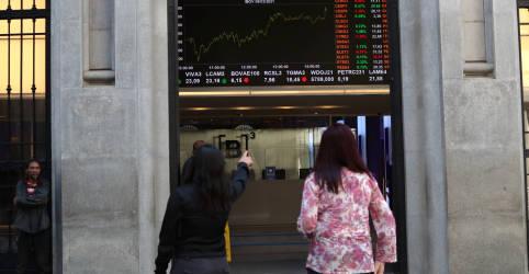 Placeholder - loading - Ações de bancos sustentam Ibovespa no azul