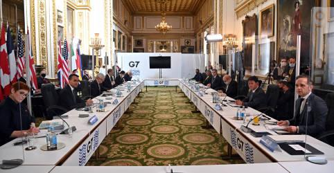 Placeholder - loading - Imagem da notícia Diagnóstico de Covid em delegados da Índia causa susto em reunião do G7