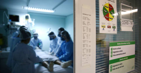 Placeholder - loading - Opas alerta que pessoas mais jovens estão enchendo unidades de terapia intensiva