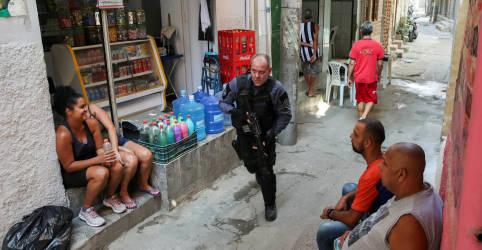 Placeholder - loading - Imagem da notícia Operação da Polícia Civil deixa ao menos 25 mortos em favela do Rio