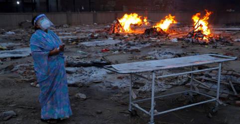 Placeholder - loading - Imagem da notícia Líder da oposição alerta que onda 'explosiva' de Covid ameaça Índia e o mundo