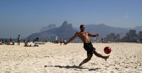 Placeholder - loading - Imagem da notícia Rio flexibiliza medidas contra Covid, libera praias e acaba com toque de recolher