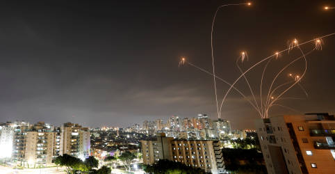 Placeholder - loading - Imagem da notícia Ataques de Israel matam 20 em Gaza, dizem palestinos, após militantes lançarem foguetes em Jerusalém