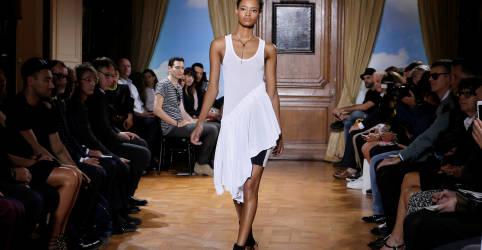 Placeholder - loading - Imagem da notícia Paris retomará desfiles de moda em julho após longa paralisação pela Covid