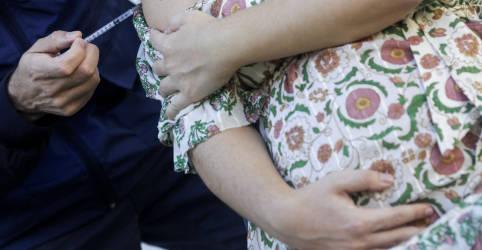 Placeholder - loading - Imagem da notícia Saúde suspende uso em grávidas de vacina da AstraZeneca após morte