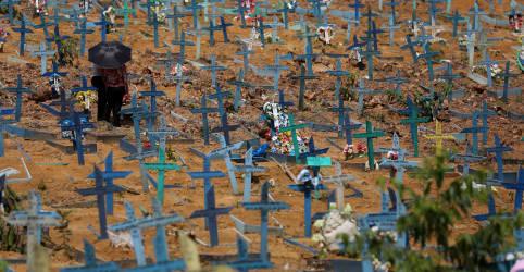 Placeholder - loading - Imagem da notícia Brasil tem mais 2.383 mortes por Covid e total supera 430 mil