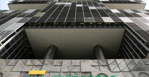 Placeholder - loading - Imagem da notícia Petrobras lucra R$1,17 bi no 1º tri; novo CEO reafirma estratégia