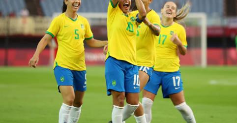 Placeholder - loading - Marta se torna 1ª mulher a marcar em cinco Olimpíadas seguidas e Brasil goleia China na estreia em Tóquio