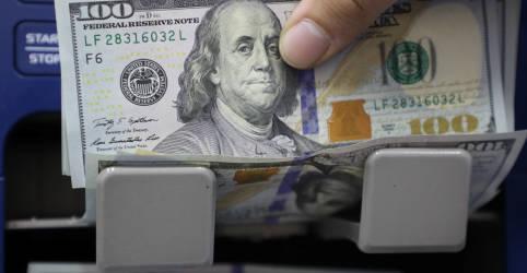 Placeholder - loading - Imagem da notícia Dólar tem pouca alteração com temor fiscal compensando expectativa de juros mais altos