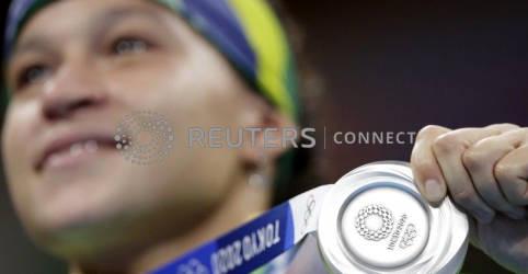 Placeholder - loading - Imagem da notícia Beatriz Ferreira termina Olimpíada com a prata após derrota para irlandesa