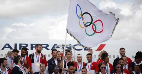 Placeholder - loading - Imagem da notícia França recebe bandeira olímpica e promete 'Jogos para as pessoas' em 2024