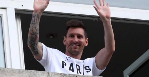 Placeholder - loading - Messi assina contrato de dois anos com o PSG