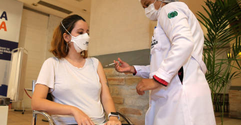 Placeholder - loading - Imagem da notícia SP entra com ação no STF para cobrar entrega de vacinas pelo Ministério da Saúde