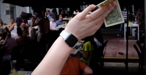Placeholder - loading - Dólar supera R$5,28 e bate máxima desde maio com incerteza doméstica e tensão externa