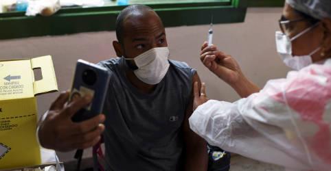 Placeholder - loading - Ministério muda cálculo de distribuição de vacinas e compensa Estados que receberam menos