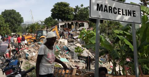 Placeholder - loading - Danos de terremoto dificultam chegada de ajuda a áreas do Haiti