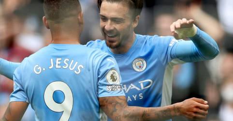 Placeholder - loading - Imagem da notícia Gabriel Jesus dá um lembrete do seu valor para Pep Guardiola