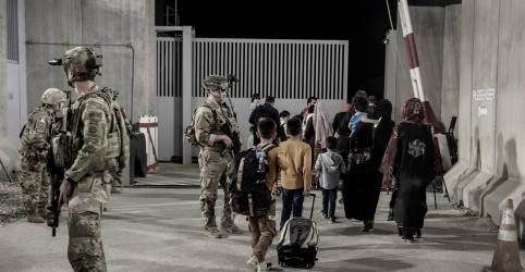 Placeholder - loading - Imagem da notícia Em alerta para mais ataques em Cabul, EUA veem maior perigo nos próximos dias