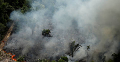Placeholder - loading - Imagem da notícia Governo promete plano sobre queimadas, mas apresenta medidas já conhecidas