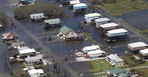 Placeholder - loading - Imagem da notícia Moradores da Louisiana são instruídos a não voltar para casa após furacão