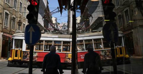 Placeholder - loading - Imagem da notícia Portugal revoga proibição de viagens a turistas do Brasil
