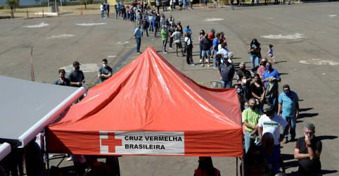Placeholder - loading - Imagem da notícia Brasil registra 25.565 casos novos e mais 756 mortes por Covid