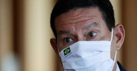 Placeholder - loading - Imagem da notícia Mourão diz que governo tem base no Congresso e não há clima para impeachment