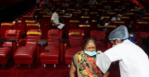 Placeholder - loading - Imagem da notícia Estudo da Índia aponta redução grande de anticorpos da Covid 4 meses após vacinação