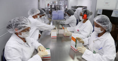 Placeholder - loading - Imagem da notícia Butantan chega a 100 milhões de doses da CoronaVac entregues e conclui contrato com ministério