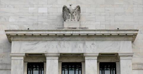 Placeholder - loading - Imagem da notícia Fed sinaliza redução de compra de títulos 'em breve', alta de juros passa para 2022